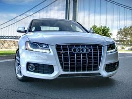 Audi A5 dalimis. S5 groteles. auksciausios