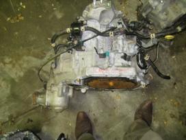 Honda Cr-v. Tik automatines greiciu dezes