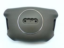 Audi A4 oro pagalvės