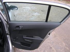 Opel Astra dalimis. europietiška