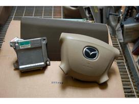 Mazda Mpv. Mazda mpv CD player radio model