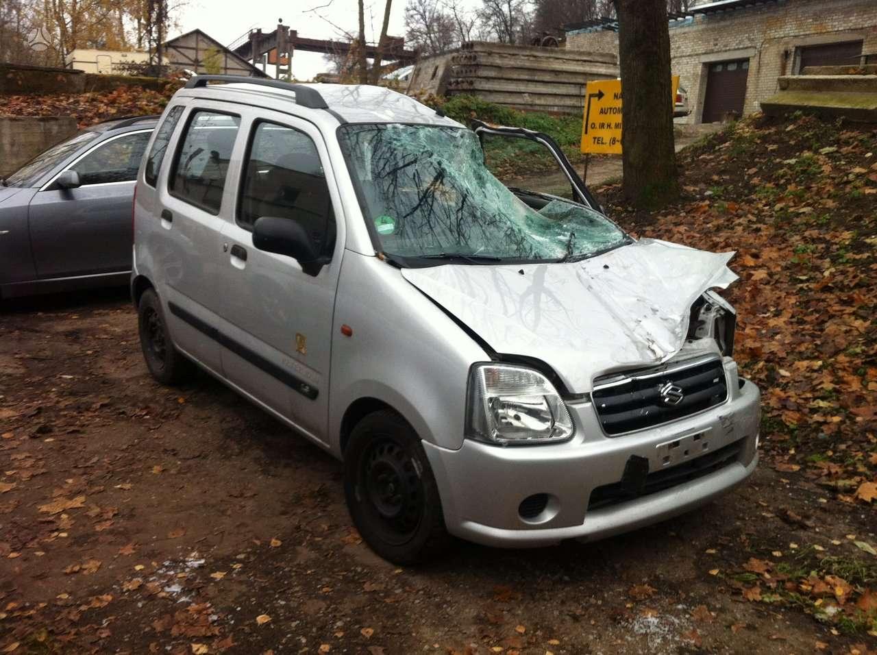 Suzuki automobiliu dalys