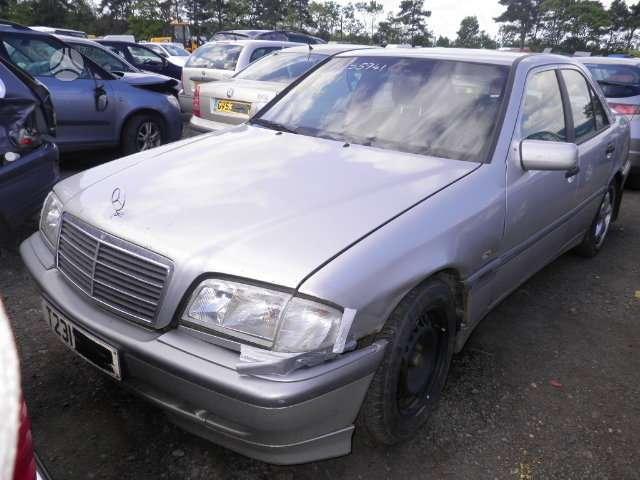 Mercedes-Benz C220. Mb 220 cdi, lieti ratai. kodicionierius, 5