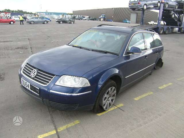 Volkswagen Passat dalimis. Angliska