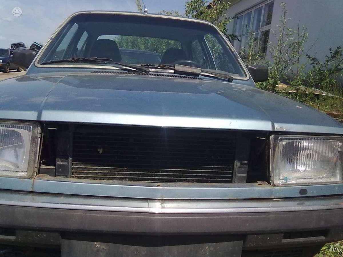 Volvo 340 dalimis. Superkame defektuotus automobilius euro impex