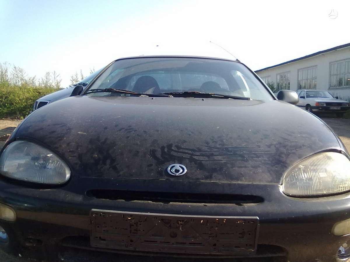 Mazda MX-3 dalimis. Kiekviena diena ardomos naujos masinos, o