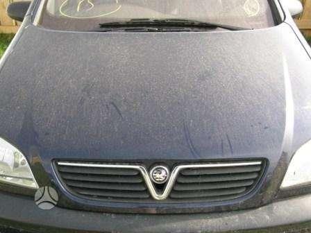 Opel Zafira. Dalimis