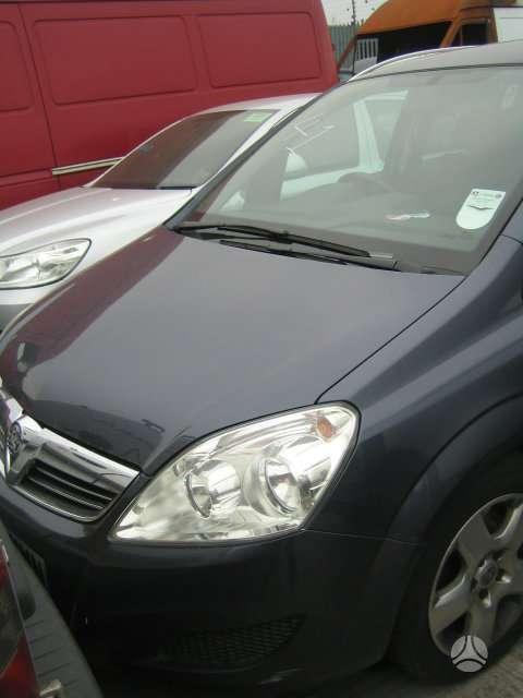 Opel Zafira. Vairas dešinėje  darbo laikas: i-v 9:00-17:00