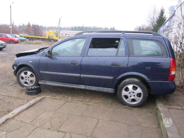 Opel Astra. Yra ir benzininiu ir dizeliniu.taip pat įvairiu