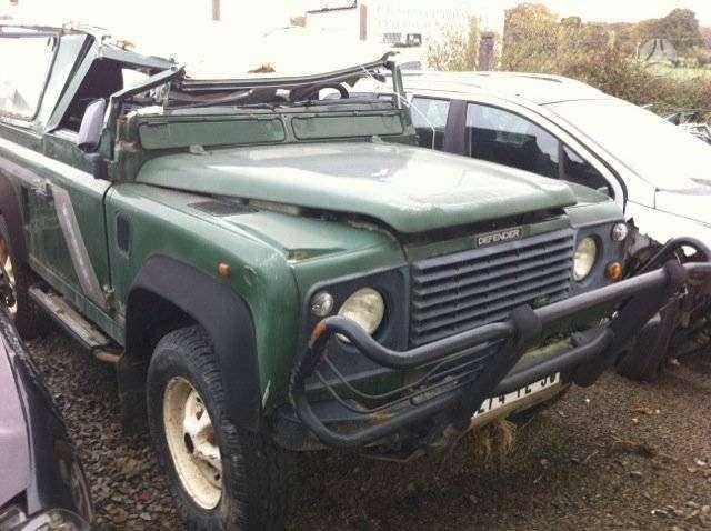 Land Rover Defender dalimis. Detalių pristatymas i visus