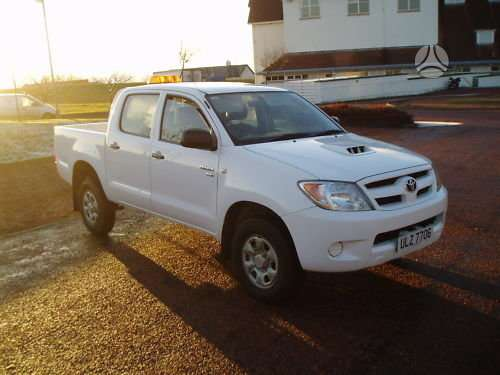 Toyota Hilux dalimis. Is anglijos. srs, abs, maza rida.