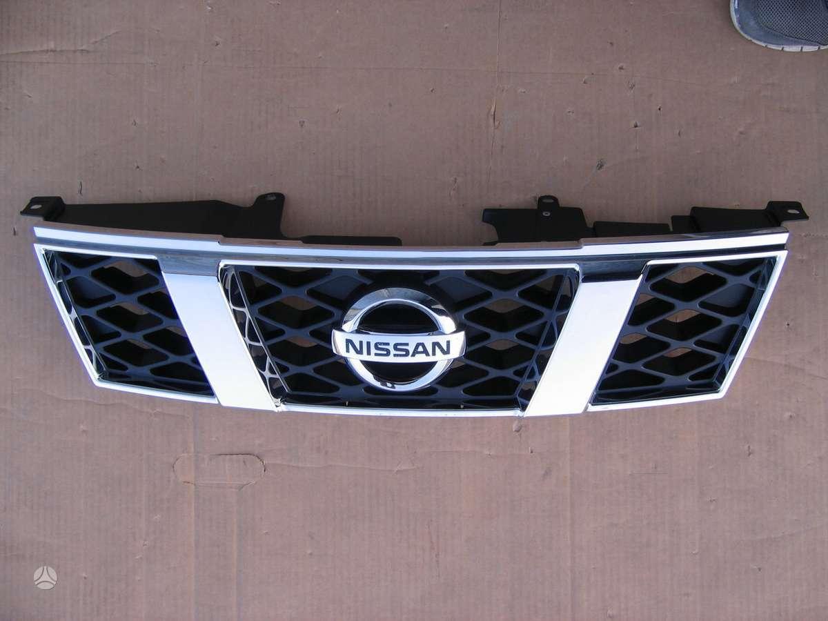 Nissan X-Trail apdailos grotelės, kondicionieriaus radiatorius, vandens radiatorius