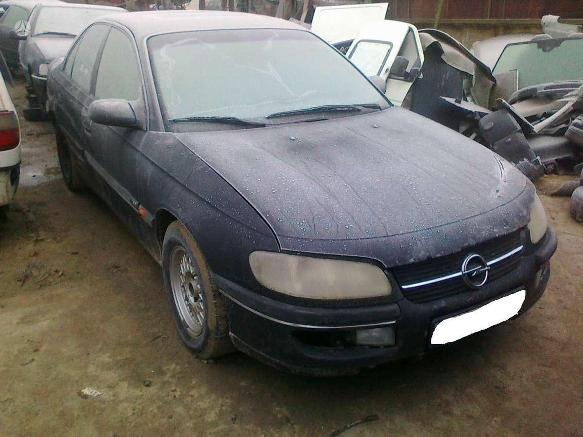 Opel Omega dalimis. Superkame defektuotus automobilius