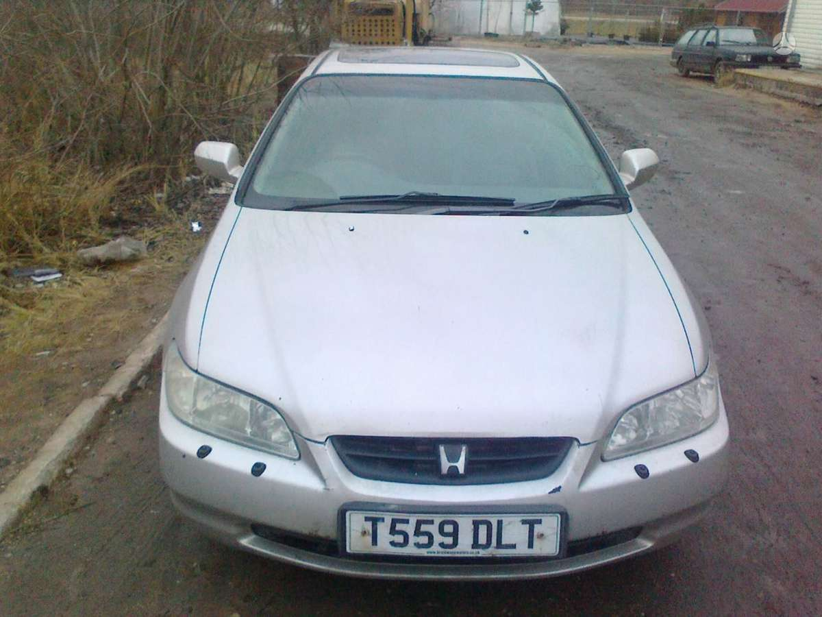 Honda Accord dalimis. Honda accord coupe 2000 2.0l bendz 2_3d