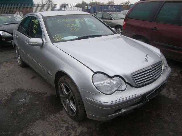 Mercedes-Benz C200 dalimis. Mersas c200 2,0l automatas dalimis,