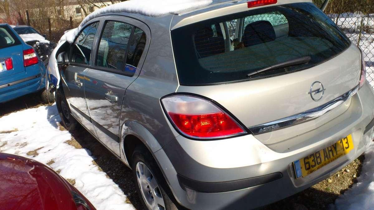 Opel Astra dalimis. Iš prancūzijos. esant galimybei,