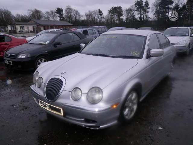 Jaguar S-Type. Pristatome automobilių dalis į namus visoje
