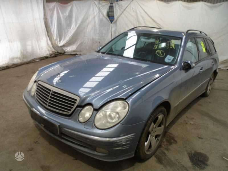 Mercedes-Benz E320. Pavaru deze - r1402712601 , magnetola