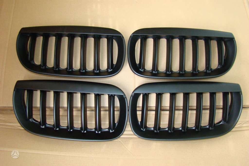 BMW X3. naujos tuning dalys. groteles -04-07 -juodos ; chrom-