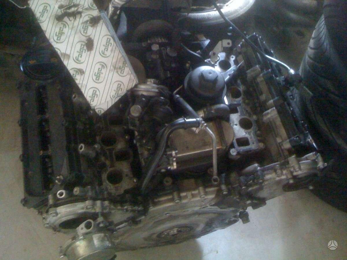 Audi A6. Parduodamas variklis dalimis, pradegęs vienas stūmoklis,