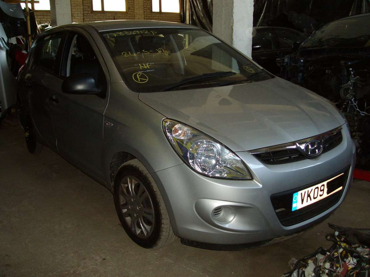 Hyundai i20. Prekyba auto dalimis naudotomis europietiškiems,