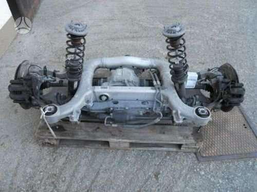 BMW 5 serija. Automobilis dalimis