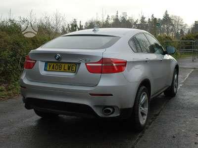 BMW X6 dalimis. Anglas