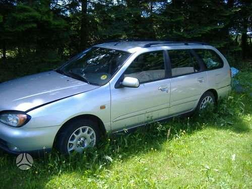 Nissan Primera dalimis. Lietuvoje neeksploatuota.