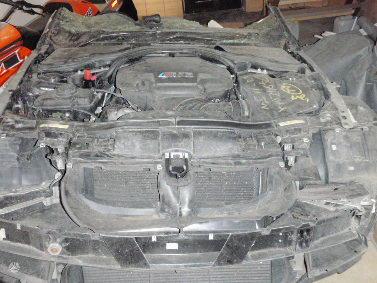 BMW M3 dalimis. Bmw e92 m3 2008m. dalimis  bmw e46 m3 2001-