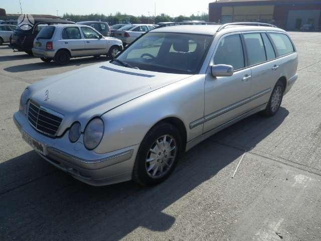 Mercedes-Benz E280. Maza rida, odinis salonas, cd keitiklis,