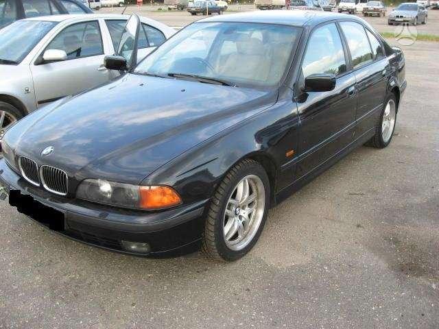 BMW 535. 535i dalimis dvieju vanusu xenon zibintai