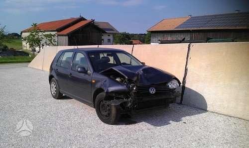 Volkswagen Golf dalimis. Lietuvoje neeksploatuota.yra ir 1.6l