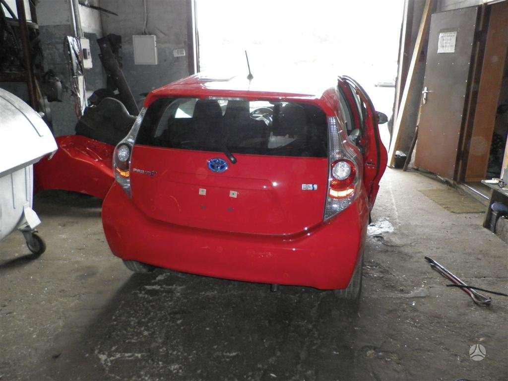 Toyota Prius dalimis. 2012.03 prius- c  modelis.dalimis is