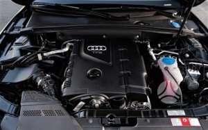 Audi A5. Tfsi pilnas variklis su dsg deze. kebulo daliu nera.