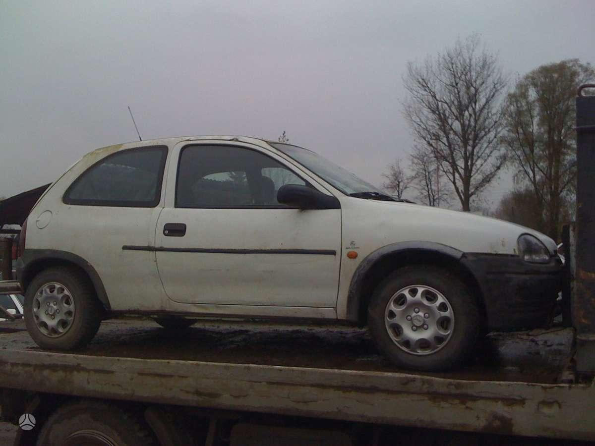 Opel Corsa dalimis. Prekyba originaliomis naudotomis detalėmis.