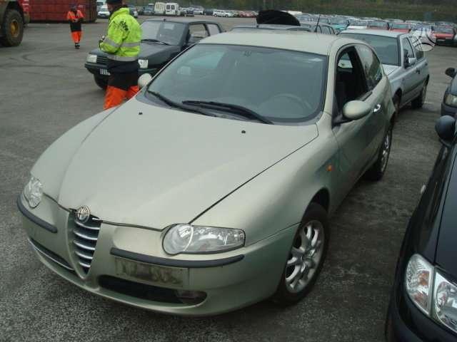Alfa Romeo 147. Galimas detalių pristatymas į kitus miestus.