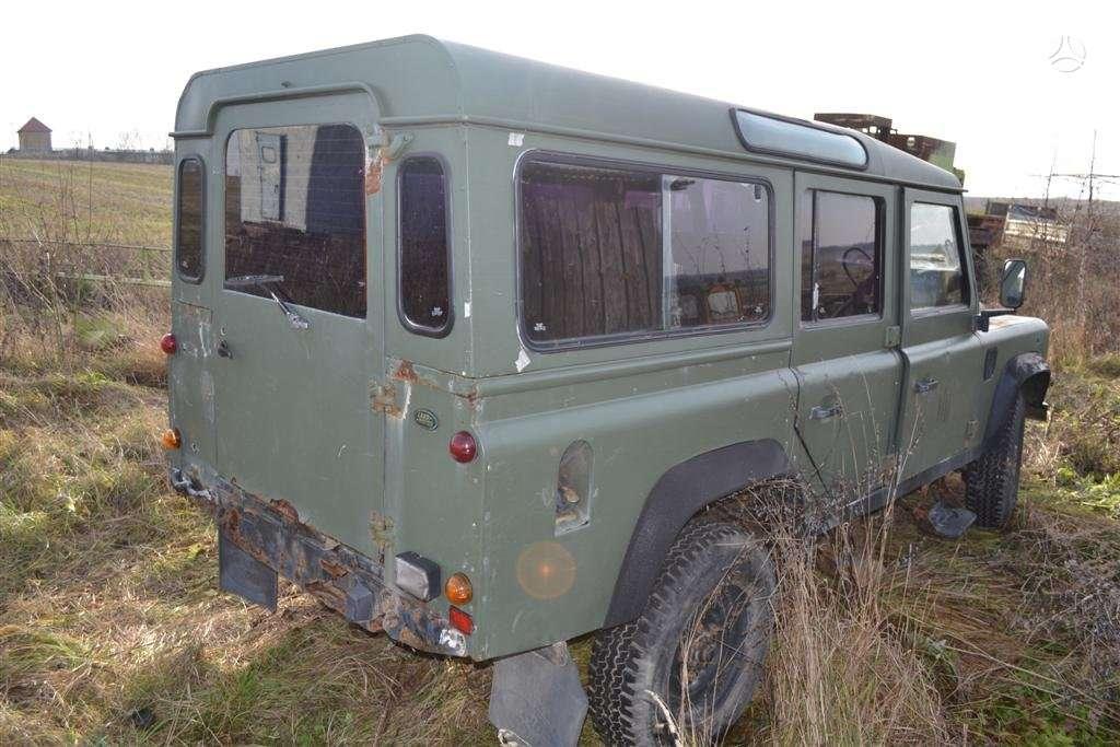 Land Rover Defender dalimis. Defender 110 - vaziuokles, kebulo,