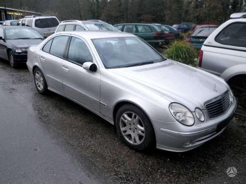 Mercedes-Benz E220 dalimis. Is anglijos..,avantgarde,xenon drive,