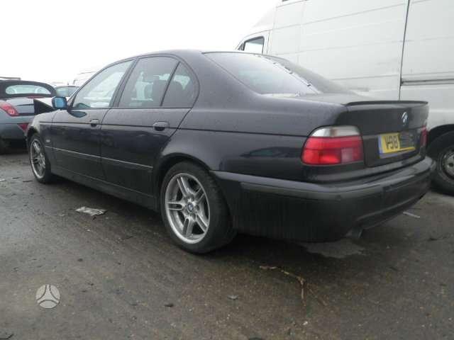 BMW 528. 528i  m paketas m vairas juodos lubos cd grotuvas