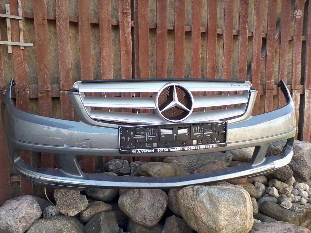 Mercedes-Benz C klasė. Pr.kapotas, grotelės paprastos,avantgarde,