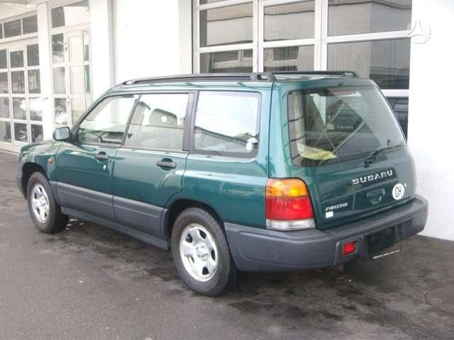 Subaru Forester. Turbo  is sveicarijos (( ch ))