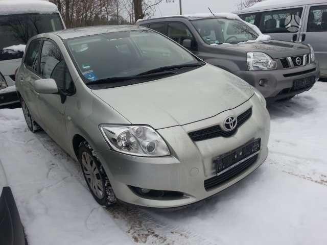 Toyota Auris. Europinis.turime komplekta vairo perkelimui.