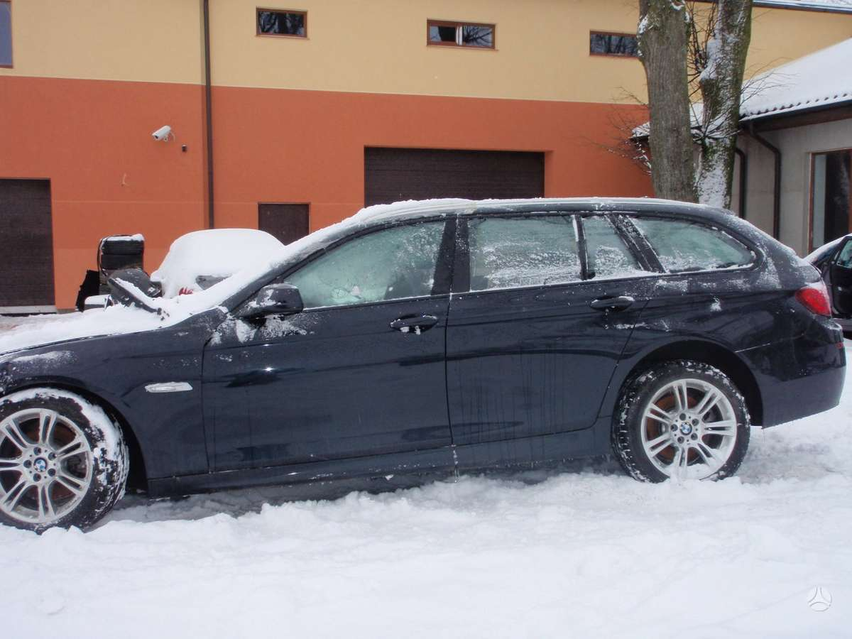 BMW 520 dalimis. Bmw f11 520d touring 2011-2012m.   taip pat