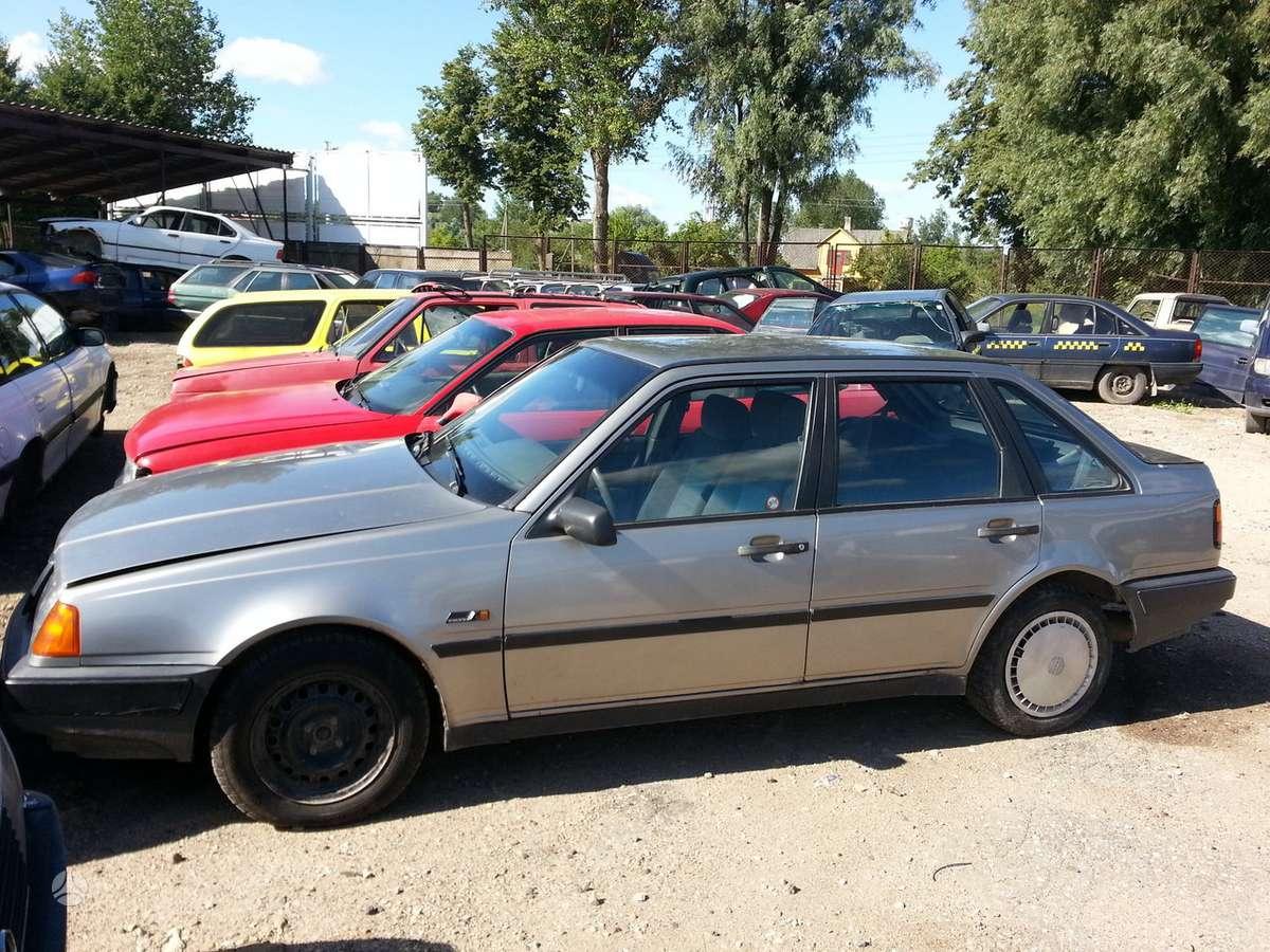 Volvo 440 dalimis. Prekyba originaliomis naudotomis detalėmis.