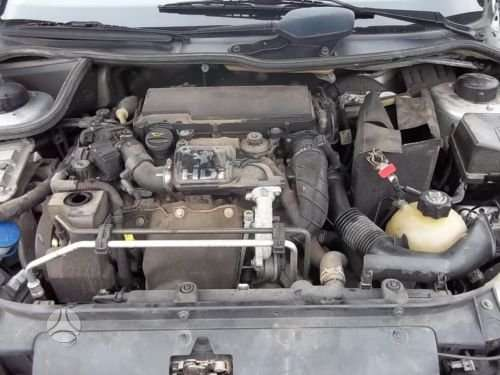 Peugeot 206 dalimis. 1.4 hdi  yra gryze varikliai :   1. bmw