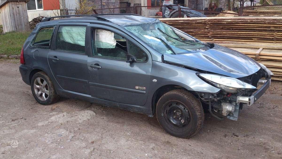 Peugeot 307. Turim ir 2 duru ir 4 duru benzinai dar turiu