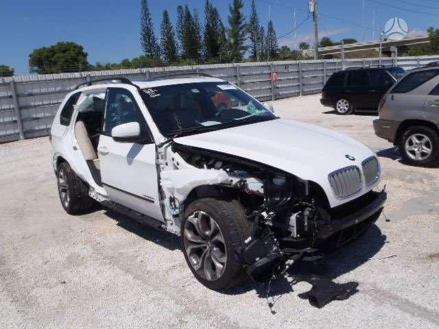 BMW X5. automobilis parduodamas dalimis  didelis naujų ir