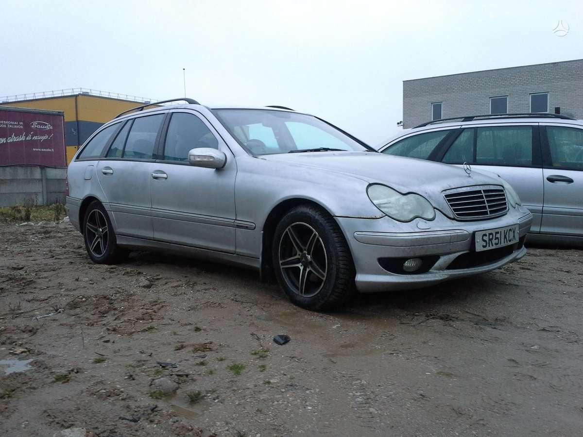 Mercedes-Benz C klasė dalimis. Turime daugiau ardomų automobilių.