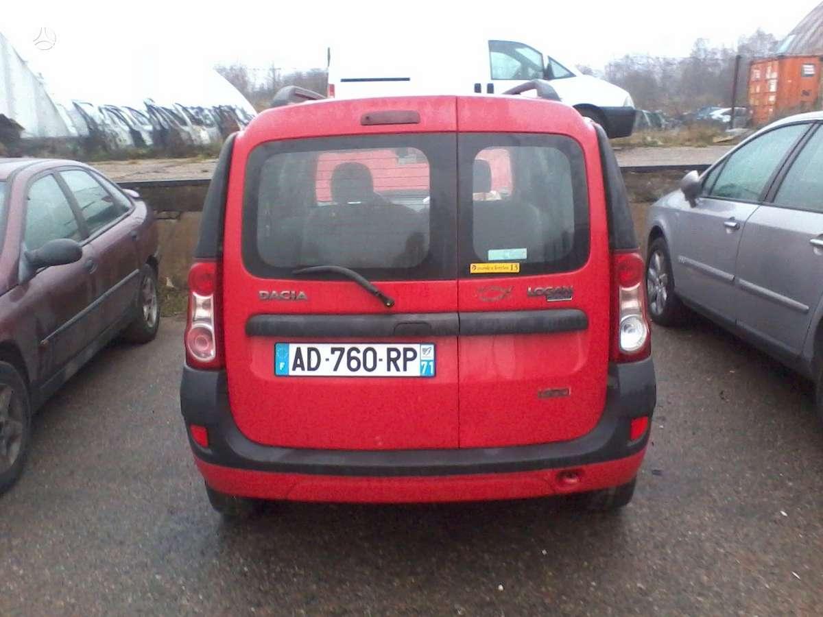 Dacia Logan dalimis. Turime ivairiu prancuzisku automobiliu