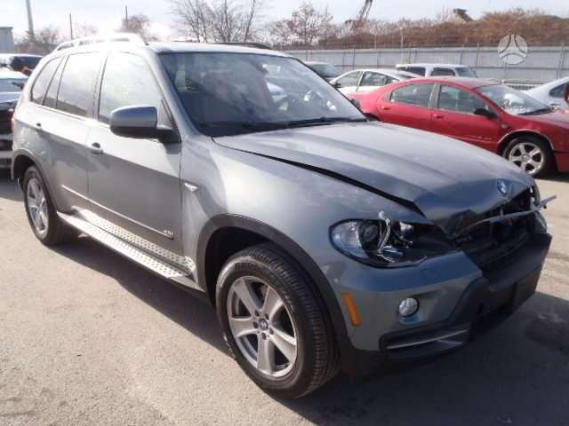 BMW X5. Būtent šis x5 dalimis.. 2010m  didelis naujų ir naudotų